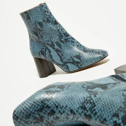 Bottines en Cuir Julia python bleu gris - Talon 6 cm - Apologie - Modalova