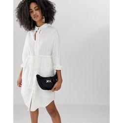 68d32f28110 Robe chemise longue avec ceinture - ASOS WHITE - Shopsquare