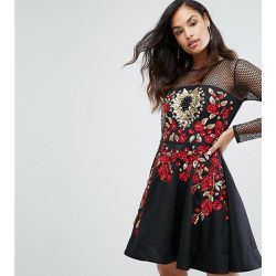 Robe patineuse courte brodée de roses - A Star Is Born - Shopsquare