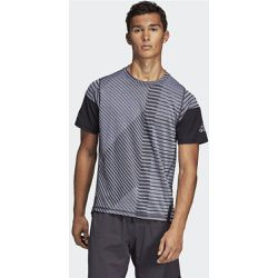 T-shirt FreeLift 360 Strong Graphic - adidas Performance - Shopsquare