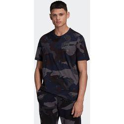 T-shirt Graphics Camo Allover Print - adidas Originals - Modalova