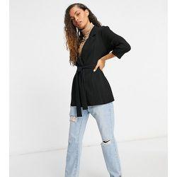 ASOS DESIGN Petite - Blazer croisé de costume en jersey - ASOS Petite - Modalova