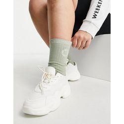 Chaussettes longueur mollet côtelées à logo brodé - Kaki - ASOS Weekend Collective - Modalova