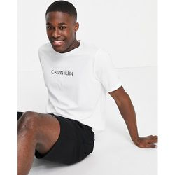 Performance - T-shirt de course avec logo centré - éclatant - Calvin Klein - Modalova