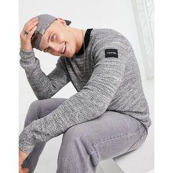 Pull ras de cou en tissu bouclé côtelé - Calvin Klein - Modalova