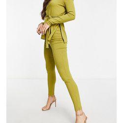Pantalon ajusté côtelé - Club L London Tall - Modalova