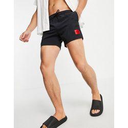 HUGO - Dominica - Short de bain avec encadré logo contrastant - HUGO Bodywear - Modalova