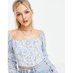 Crop top à épaules dénudées et manches bouffantes - Bleu à petites fleurs - Love Triangle - Modalova