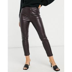 Pantalon skinny en imitation cuir - Bordeaux - Mango - Modalova