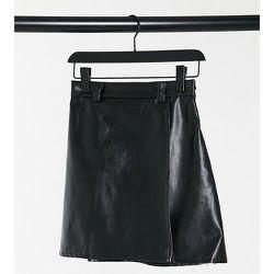 Jupe taille haute en imitation cuir - NaaNaa Petite - Modalova