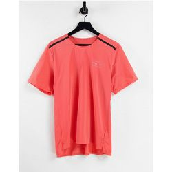 Run Division Statement - T-shirt - Pêche - Nike Running - Modalova