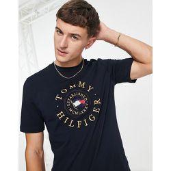 Icon - T-shirt à logo brodé style pièce de monnaie - Ciel du désert - Tommy Hilfiger - Modalova
