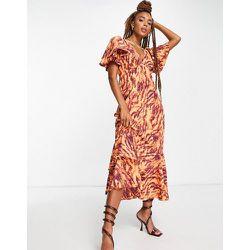 Robe mi-longue à manches volantées en tissu recyclé mélangé et imprimé zébré - Topshop - Modalova