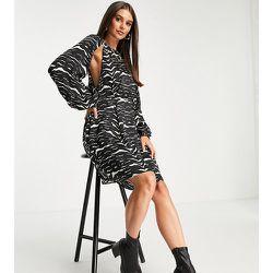 Tall - Robe courte en satin à découpes et imprimé zébré - Topshop - Modalova