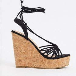 Chaussures compensées glamour avec liens à nouer à la cheville - Truffle Collection - Modalova