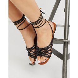 Sandales à bout carré avec liens noués à la cheville - Truffle Collection - Modalova