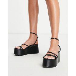 Sandales à semelle plateforme surdimensionnée et talon - Truffle Collection - Modalova