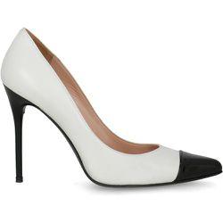 Shoe - Stuart Weitzman - Modalova