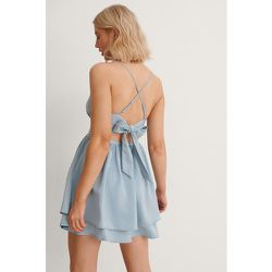 Robe Mini Nouée Dans Le Dos - Blue - Anika Teller x NA-KD - Modalova