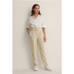 Recyclé Pantalon De Costume À Ceinture - Beige - NA-KD Classic - Modalova