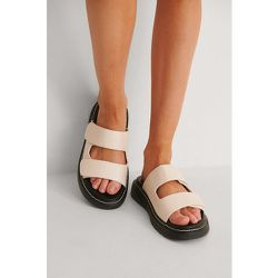 Contrast Stitch Slippers - Beige - NA-KD Shoes - Modalova