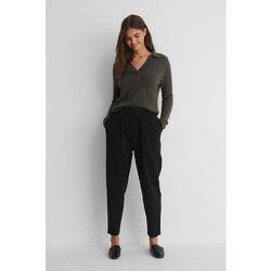 Pantalon De Costume À Plis Profonds - Black - NA-KD Trend - Modalova