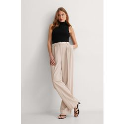 Pantalon De Costume Plissé - Beige - NA-KD Classic - Modalova