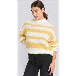 Striped Round Neck Oversized Knitted Sweater - White,Yellow - NA-KD Trend - Modalova