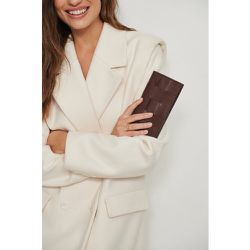 Portefeuille en cuir tressé - Brown - NA-KD Accessories - Modalova