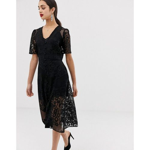 e7c25a538b Robe mi-longue en dentelle - ASOS DESIGN - Shopsquare