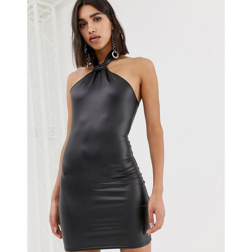 Robe courte dos nu en similicuir - Missguided - Modalova