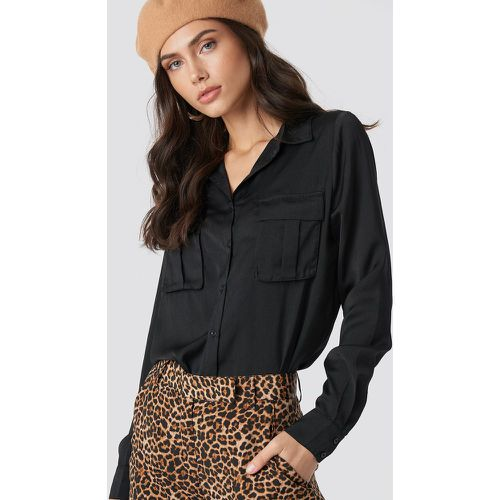 Chest Pocket Satin Shirt - Black - NA-KD - modalova